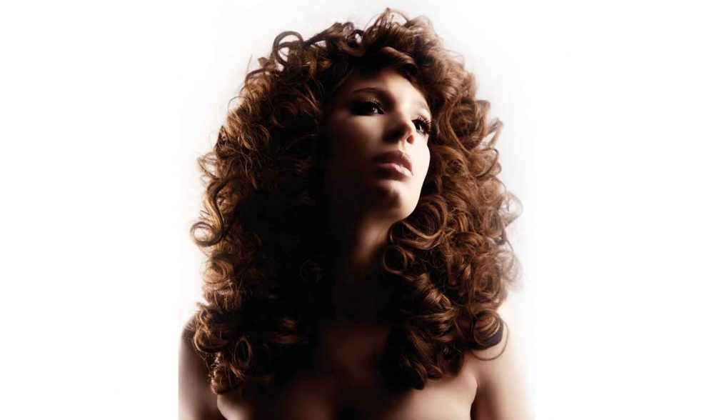 Natural Curls for a funky modern look